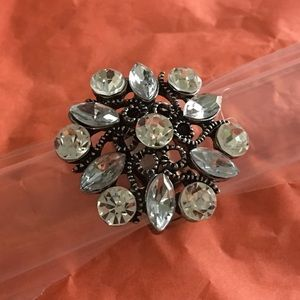 Stunning silver clear bling ring